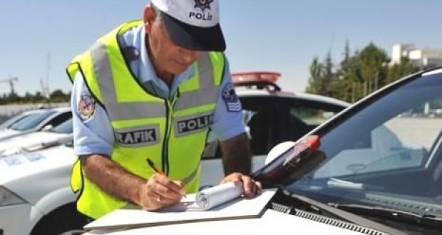 2013,Trafik Cezaları,ceza Listesi,Yeni Ceza Ücretleri,kırmızı ışık,emniyet kemeri,hız sınırı,alkol