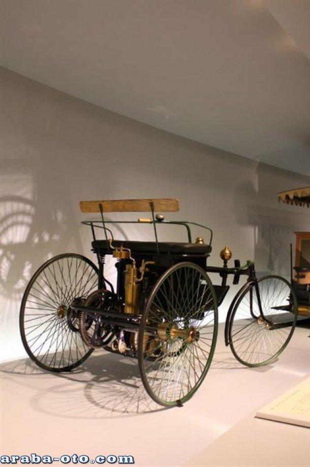 Mercedes,Mercedes-Benz,Mercedes resimleri,mercedes fotoları,mercedes videoları,eski model mercedes resimleri,mercedes 125 yıl,